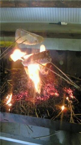 21c8caca2ecbfa47759f822fa9de1d3f - 土佐たたき道場(高知市)【ご当地グルメ】ワラで焼く自分で焼くカツオたたき屋さん