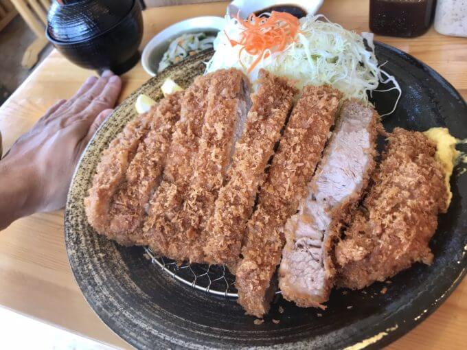 img 0350 - とんかつ神楽(栃木市)【デカ盛り】超巨大で肉肉しい格安で大判なロースとんかつ定食【大食い】