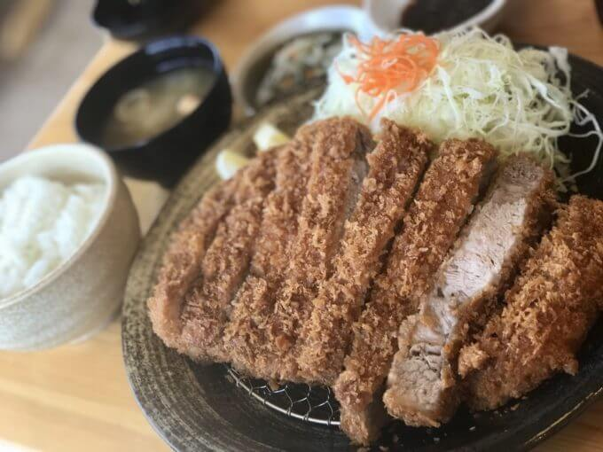 img 0352 - とんかつ神楽(栃木市)【デカ盛り】超巨大で肉肉しい格安で大判なロースとんかつ定食【大食い】