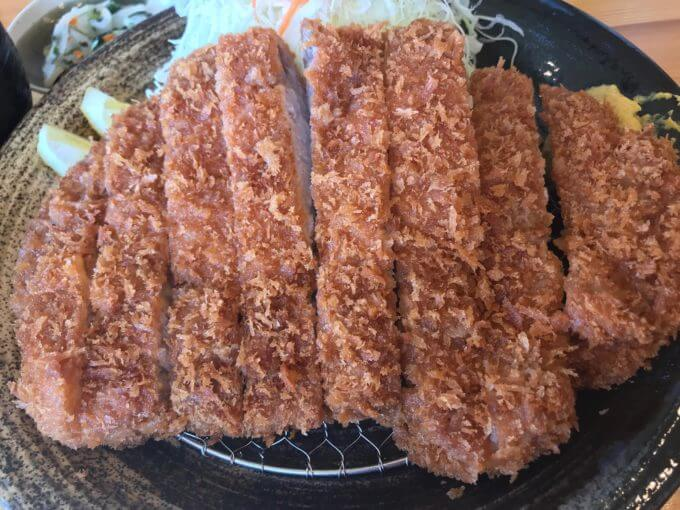 img 9553 - とんかつ神楽(栃木市)【デカ盛り】超巨大で肉肉しい格安で大判なロースとんかつ定食【大食い】