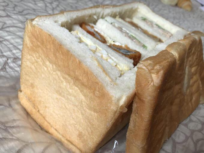 846A61DE 430F 4CC6 934F 556DBFE141D0 - ラパン(静岡県浜松市)【デカ盛り】パン一斤にはめ込まれたマトリョーシカサンドが可愛すぎる【インスタ映え】