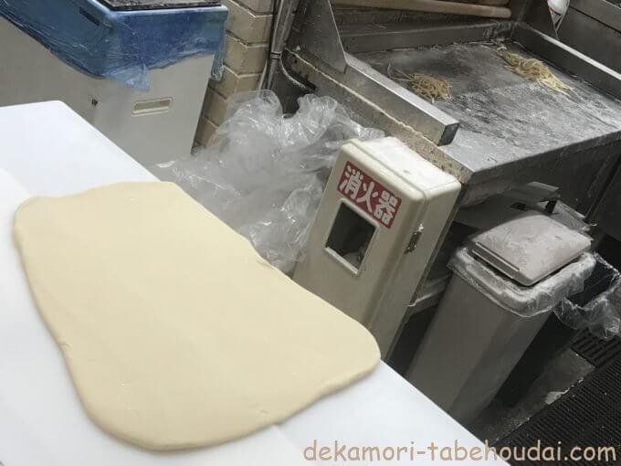 B5DBF3D2 19F5 4DF0 B3C4 6EB36E575913 - 丸亀製麺【デカ盛り】毎月1日釜揚げうどんの日半額16玉自己記録に挑戦【大食い】